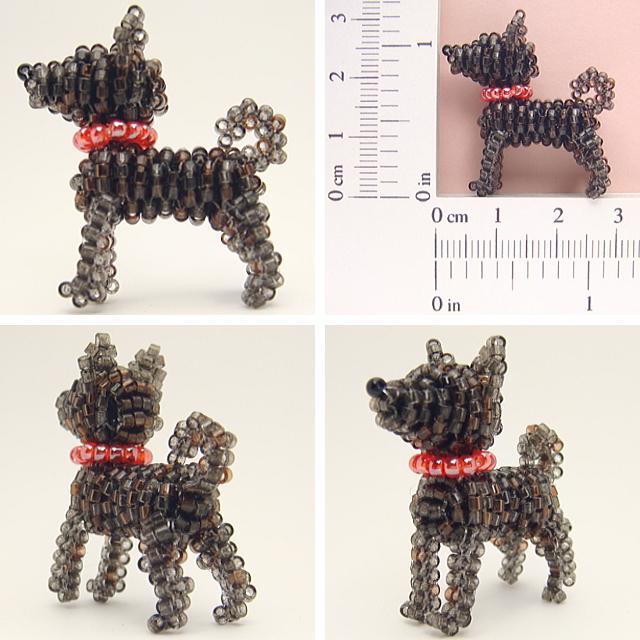 立ち甲斐犬ビーズ(首輪・レッド、毛色・黒虎、尾・巻き尾)